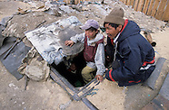MN091 Children leaving underground in UlanBaatar,Mongolia, Les enfants des trous a Oulan Bator,