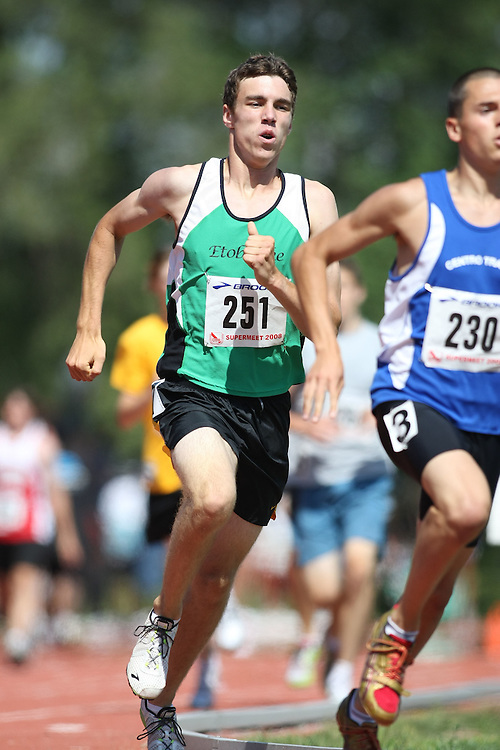 (Toronto, Ontario---2 August 2008) \m251\ competing in the 800m at the 2008 OTFA Supermeet II, the Bantam, Midget, Youth Track and Field Championships. This image is copyright Sean W. Burges, and the photographer can be contacted at www.msievents.com.