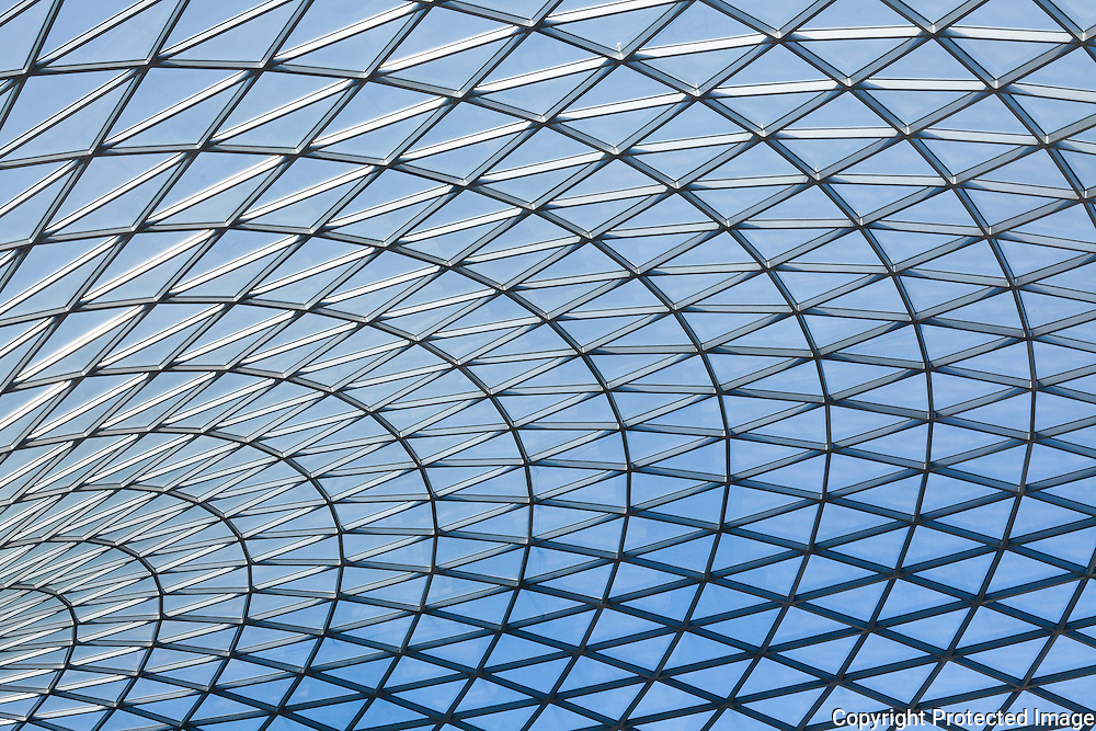 Steel and glass latticework roof of the Great Court at the British Museum, London. Built 2000, Architect: Foster and Partners Engineer: Buro Happold