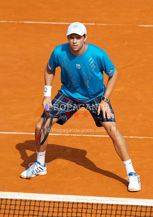 MONTE-CARLO, MONACO - Friday, April 16, 2010: Mike Bryan (USA) in action during the Men's Doubles 3rd Round match on day five of the ATP Masters Series Monte-Carlo at the Monte-Carlo Country Club. (Photo by David Rawcliffe/Propaganda)