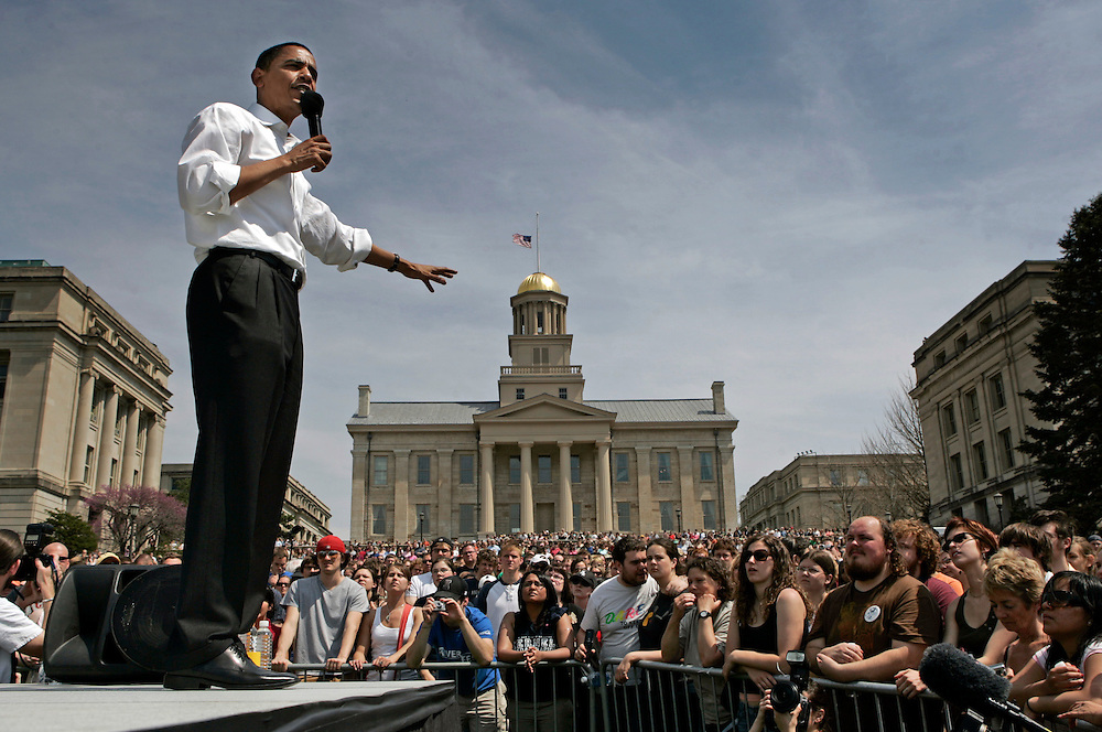 IOWA CITY, IA  - APRIL 22: Democratic presidential hopeful and Sen. Barack Obama, D-IL, speaks Sunday, April 22, 2007 on the Pentacrest at the University of Iowa in Iowa City, Iowa. The Senator as part of an Earth Day celebration on the campus. (Photo by Scott Morgan/Getty Images)