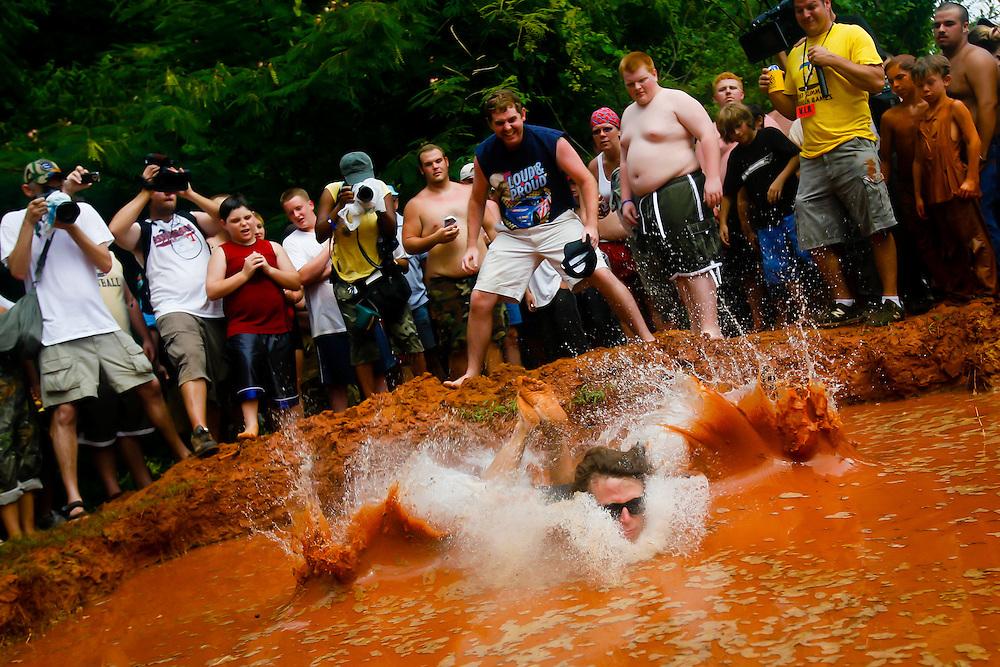 2007 Summer Redneck Games in East Dublin, Ga., on July 7, 2007.  (PHOTO / CHIP LITHERLAND)