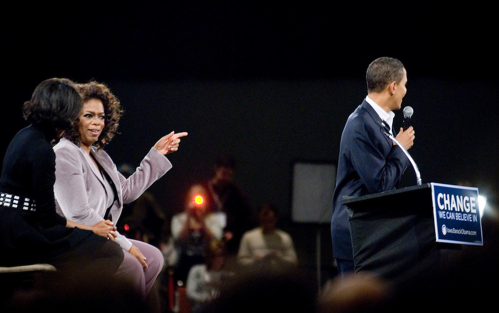 Senator Barack Obama event featuring Oprah Winfrey, in Des Moines, Iowa..Photo by Chris Maluszynski /MOMENT