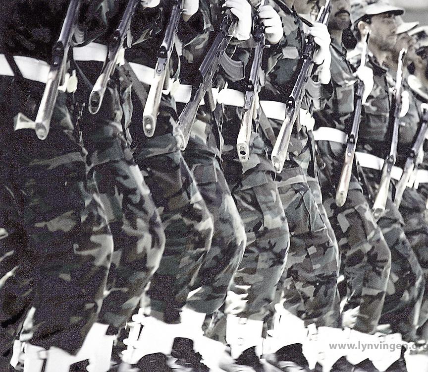 Fra en militærparade i Kabul, a military parade in Kabul, soldater på rekke, soldiers on a row