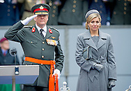 THE HAGUE - Commando Corps given Tuesday at the Courtyard by King Willem-Alexander and queen Maxima , the oldest and highest distinction of the Netherlands: the Military Order of William. The elite unit with the green beret which gets for his action in Afghanistan from 2005 to 2010. It is the first time since 1947 that a Dutch unit receives this bravery. COPYRIGHT ROBIN UTRECHT<br />  DEN HAAG - koningin maxima Koning Willem-Alexander reikt de Willems-Orde uit aan het Korps Commandotroepen. Deze eenheid wordt onderscheiden voor hun buitengewone inzet in Afghanistan.