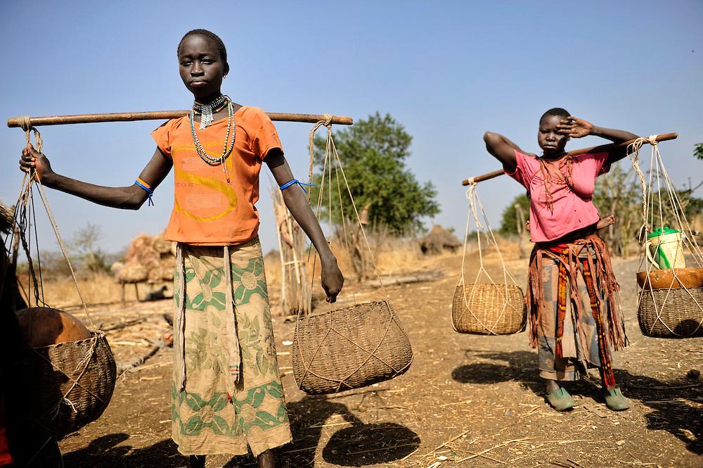 Ethiopia, Gilgel Beles, Jimteha, women, mothers Gumuz, Gilgel, Blese, valley, Africa, Ethiopia, Sudan border Beles
