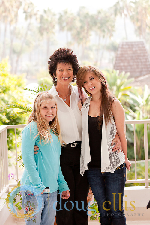 Mother and daughters--professional pictures of mothers and daughters, CA