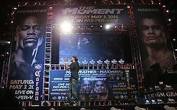 LAS VEGAS, NV - MAY 2: American hip hop recording artist 2 Chainz performs prior to the Floyd Mayweather Jr.-Marcos Maidana weigh in at the MGM Grand Garden Arena on May 2, 2014 in Las Vegas, Nevada. (Photo by Ed Mulholland/Golden Boy/Golden Boy via Getty Images) *** Local Caption ***2 Chainz