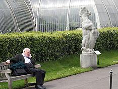 MAY 05 2014 Kew Gardens London in the Sun