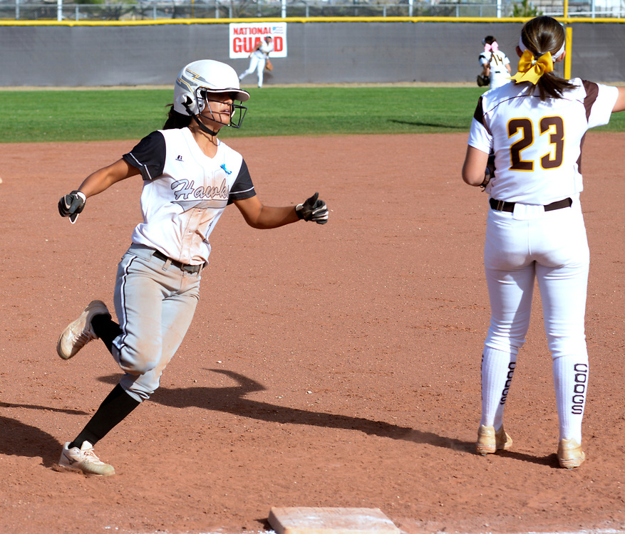gbs040617q/SPORTS -- Volcano Vista's rounds third and heads home for an in the park home run in the third inning during the game at Cibola on Thursday, April 6, 2017. (Greg Sorber/Albuquerque Journal)