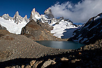 Laguna de los Tres and the might Fitz Roy bathed in morning light.