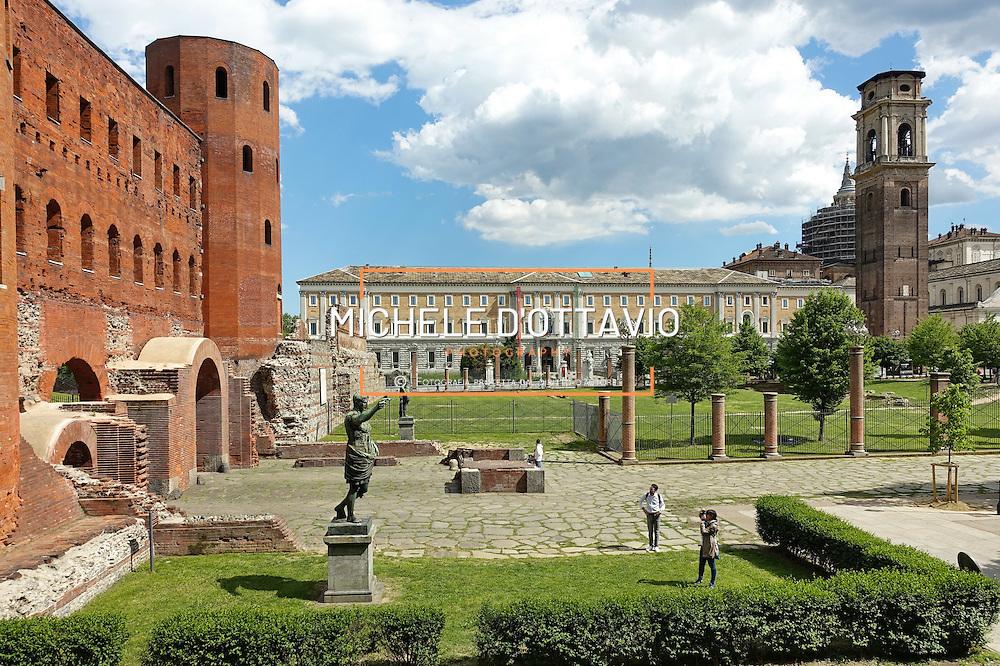 Porte palatine, galleria Sabauda, Piazza Cesare Augusto, Torino.