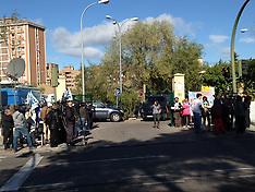 NOV 05 2014  Teresa Romero demonstration