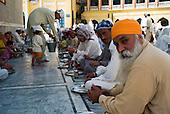 Pakistan: Sikh Community fleeing SWAT & Buner