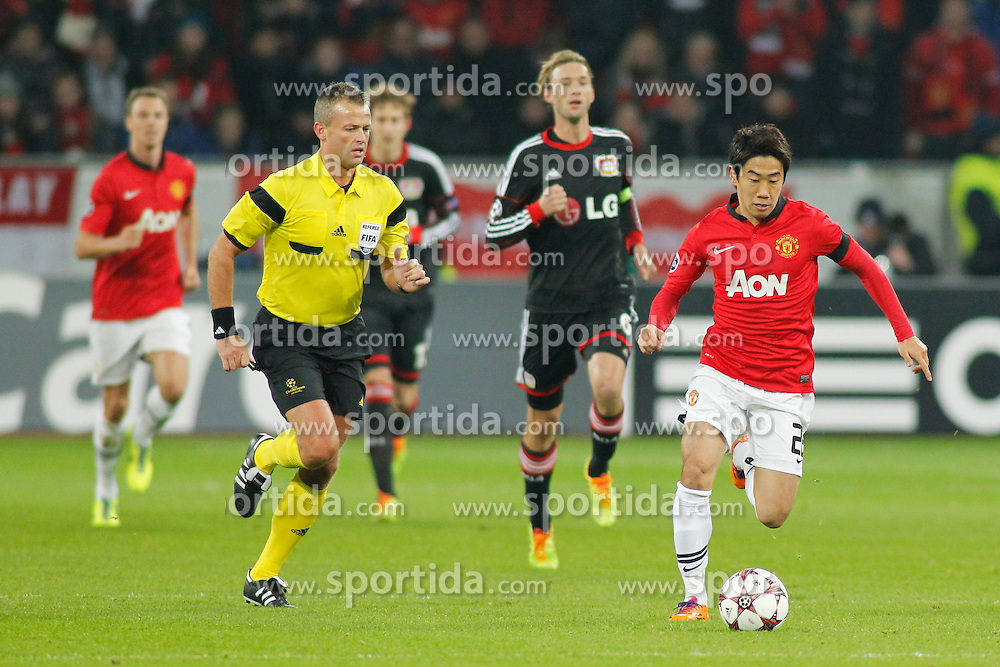 27.11.2013, BayArena, Leverkusen, GER, UEFA CL, Bayer Leverkusen vs Manchester United, Gruppe A, im Bild Shinji Kagawa #26 (Manchester United) im Alleingang auf das gegnerische Tor Aktion, Action // during UEFA Champions League group A match between Bayer Leverkusen vs Manchester United at the BayArena in Leverkusen, Germany on 2013/11/28. EXPA Pictures &copy; 2013, PhotoCredit: EXPA/ Eibner-Pressefoto/ Grimme<br /> <br /> *****ATTENTION - OUT of GER*****