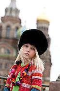 RU191 Children fashion in Saint Petersbourg