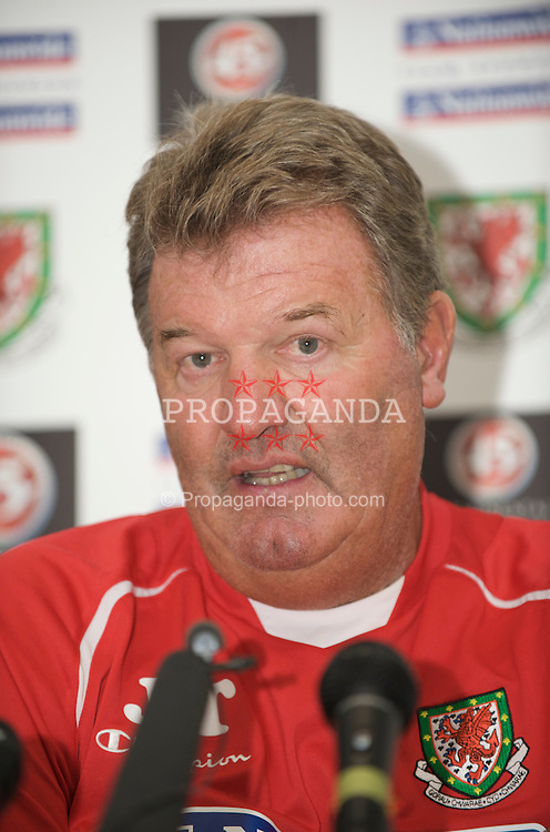PODGORICA, MONTENEGRO - Tuesday, August 11, 2009: Wales' manager John Toshack MBE during a press conference at the Podgorica Hotel ahead of the international friendly match against Montenegro. (Photo by David Rawcliffe/Propaganda)