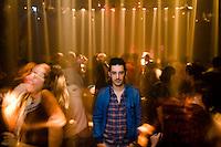 ניסן שור במועדון בתל אביב