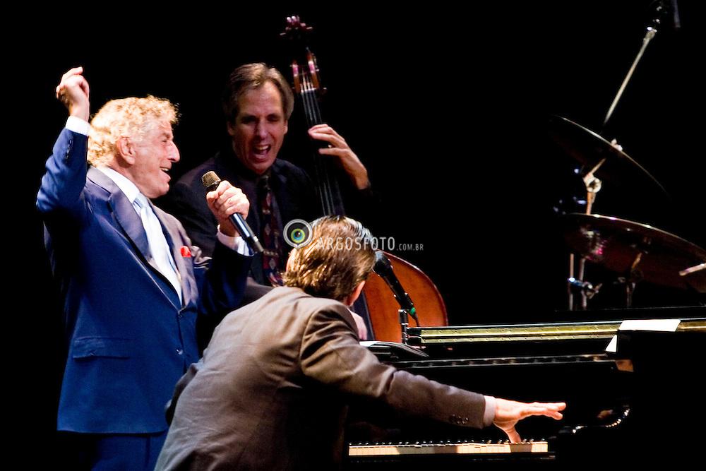 Sao Paulo, SP, Brasil. 21/outubro/2005..Show do Tony Benett, no Credicard Hall./ Tony Benett in concert at Credicard Hall.Foto © Adri Felden/Argosfoto