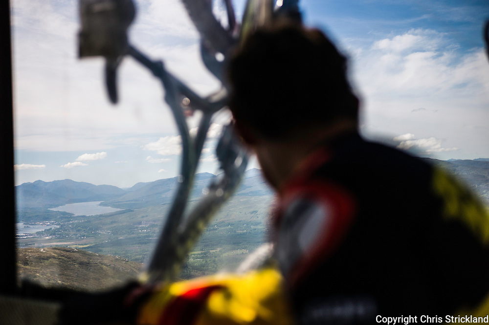 Nevis Range, Fort William, Scotland, UK. 3rd June 2016. Riders from the Da Vinci team make their up to the course start at 65om by gondola. The worlds leading mountain bikers descend on Fort William for the UCI World Cup on Nevis Range.