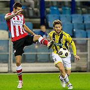 ARNHEM - Vitesse - PSV , Voetbal , Eredivisie , Seizoen 2016/2017 , Gelredome , 29-10-2016 ,  PSV speler Gaston Pereiro (l) in duel met Vitesse speler Sheran Yeini (r)