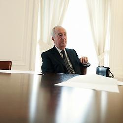 PARIS, SEPTEMBER 2010, 22. Edouard Balladur, former French Prime Minister, in his office. (photo by Antoine Doyen)