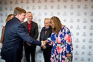 ROTTERDAM - (vlnr) Janneke Staarink, Koning Willem-Alexander, Bero Beyer, Gregory Elias en Lisa Cortes tijdens de premiere van de film Double Play op het International Film Festival Rotterdam (IFFR).<br /> 27-1-2017 ROTTERDAM - King William Alexander attends Friday January 27 at the Oude Luxor Theater at International Film Festival Rotterdam (IFFR), the world premiere of Double Play. It is the film adaptation of the novel of the Cura&ccedil;ao Doubles writer Frank Martinus Arion, directed by Ernest Dickerson. With the premiere underlines the festival of the island's cultural importance within the Kingdom of the Netherlands. Copyright ROBIN UTRECHT<br /> 27-1-2017  ROTTERDAM - Koning Willem Alexander  woont vrijdagavond 27 januari in het Oude Luxor Theater tijdens International Film Festival Rotterdam (IFFR) de wereldpremi&egrave;re bij van Double Play. Het is de verfilming van de roman Dubbelspel van de Cura&ccedil;aose schrijver Frank Martinus Arion, geregisseerd door Ernest Dickerson. Met de premi&egrave;re onderstreept het festival het culturele belang van Cura&ccedil;ao binnen het Koninkrijk der Nederlanden. Copyright ROBIN UTRECHT