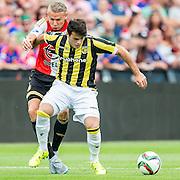 ROTTERDAM - Feyenoord - Vitesse , Voetbal , Seizoen 2015/2016 , Eredivisie , De Kuip , 23-08-2015 , Speler van Feyenoord Sven van Beek (l) in duel met Vitesse speler Valeri Qazaishvili (r)