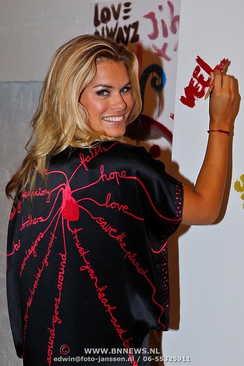 NLD/Amsterdam/20100901 - Glamour magazine bestaat 5 jaar, Nicolette van Dam