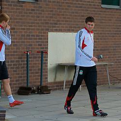 080407 Liverpool training