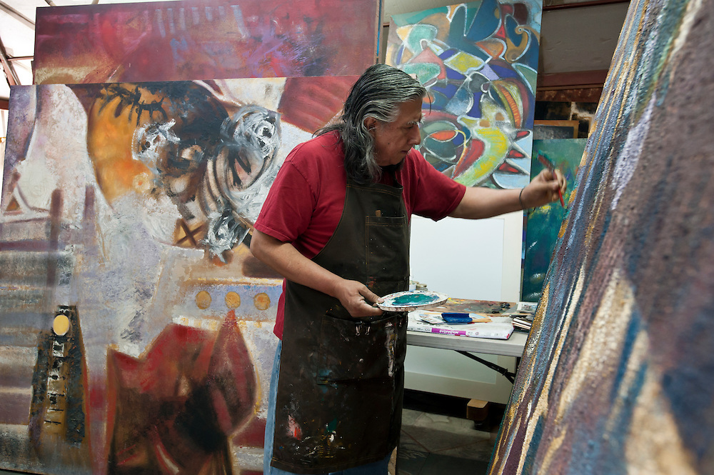 Carlos Coronado Ortega, painter, sculptor, at his house in Mexicali, Mexico...© Stefan Falke.http://www.stefanfalke.com/..