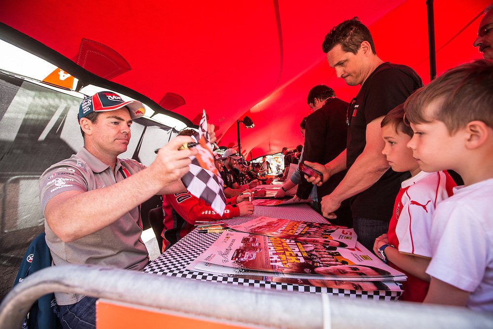V8 Super car fan day. Craig Lowndes. 3 November 2016.  Photo:Gareth Cooke/Subzero Images