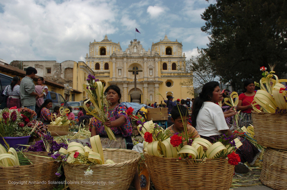 Holy Week celebrations in Antigua, Guatemala, 2006. Procession of La Hermandad de la Consagrada Imagen de Jesus Nazareno, Templo La Merced, Antigua Guatemala.