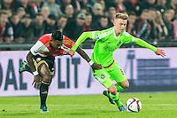 ROTTERDAM - Feyenoord - Ajax , Voetbal , KNVB Beker , Seizoen 2015/2016 , Stadion de Kuip , 25-10-2015 , Speler van Feyenoord Eljero Elia (l) in duel met Ajax speler Daley Sinkgraven (r)