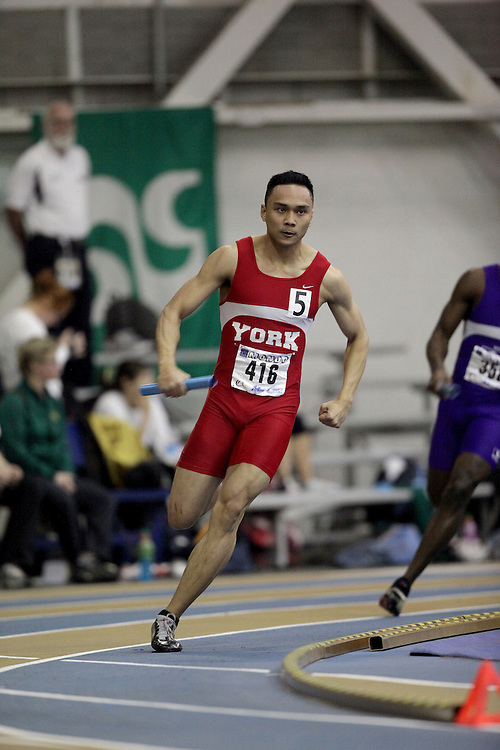 Windsor, Ontario ---13/03/09--- Randolph Fajardo of  York University competes in the 4x200m Prelims at the CIS track and field championships in Windsor, Ontario, March 13, 2009..Sean Burges Mundo Sport Images