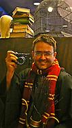 Spanish photographer dressed as Harry Potter. Universal.