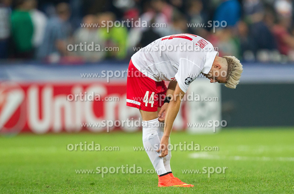 19.08.2014, Red Bull Arena, Salzburg, AUT, UEFA CL, FC Red Bull Salzburg vs Malmö FF, Play Off, Hinspiel, im Bild enttäuscht Kevin Kampl (FC Red Bull Salzburg) // during the UEFA Championsleague 1st Leg, Play Off Match between FC Red Bull Salzburg and Malmoe FF at the Red Bull Arena in Salzburg, Austria on 2014/08/19. EXPA Pictures © 2014, PhotoCredit: EXPA/ JFK