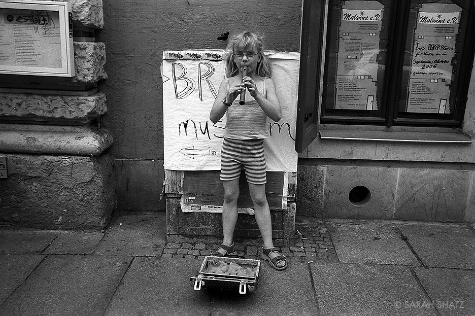Dresden, young street musician