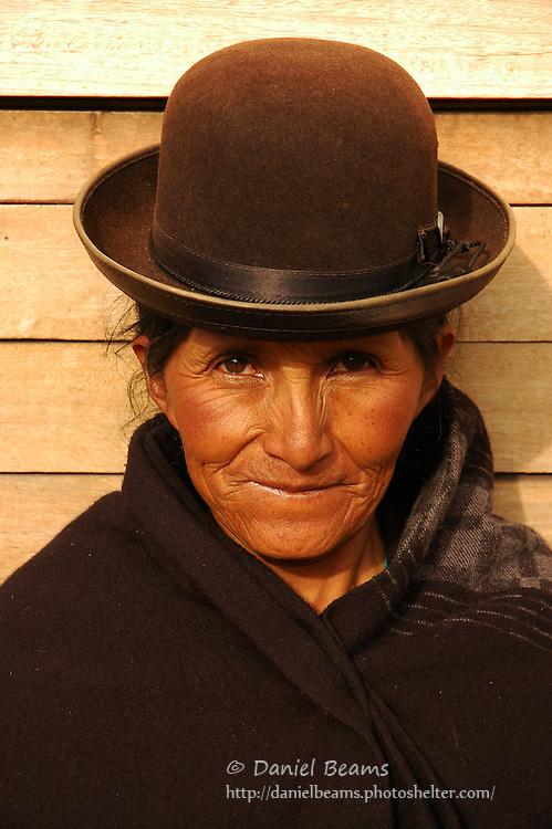 Latina woman selling in the market, Tihuanacu, La Paz, Bolivia