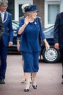 AMERSFOORT - Prinses Beatrix der Nederlanden is zaterdagmiddag 27 juni aanwezig bij de viering van het zeventig jarig bestaan van de Stichting 1940-1945. De Prinses woont een deel van de jubileumbijeenkomst bij in Theater de Flint in Amersfoort. COPYRIGHT ROBIN UTRECHT<br /> AMERSFOORT - Princess Beatrix of the Netherlands Saturday June 27 attended the celebration of the seventy anniversary of the Foundation 1940-1945. Princess attends part of the jubilee meeting at Theater de Flint in Amersfoort. COPYRIGHT ROBIN UTRECHT