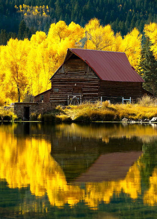 Reflections of western life in autumn.