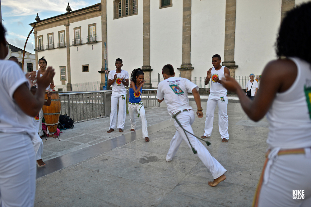 Capoeira on the streets of Pelorinho area, Salvador de Bahia, Bahia State, Brazil.