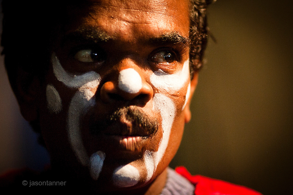 Islamabad: A clown with the Jan Baz Circus prepare for an evenings entertainment at Pothohari Village in Islamabad...©jtanner 2010