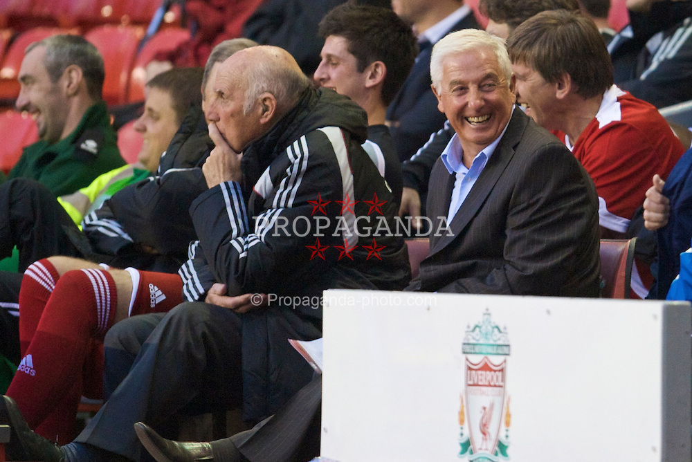 LIVERPOOL, ENGLAND - Thursday, May 14, 2009: Liverpool Legends' Roy Evans and Ronnie Moran during the Hillsborough Memorial Charity Game at Anfield. (Photo by David Rawcliffe/Propaganda)