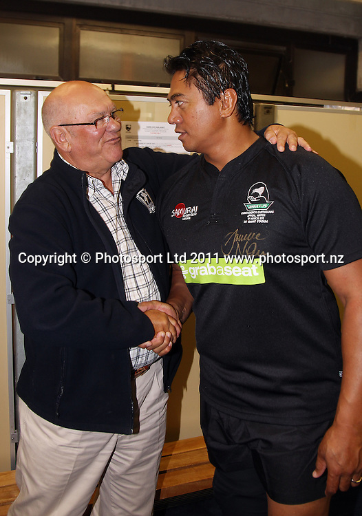 Frank Endacott and Tawera Nikau. Australia and New Zealand Legends of League Christchurch Earthquake Appeal Match, Mt Smart Stadium, Auckland, New Zealand, Thursday 10 March 2011. <br />Photo: Andrew Cornaga/photosport.co.nz
