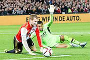 ROTTERDAM - Feyenoord - AZ , Voetbal , Eredivisie, Seizoen 2015/2016 , Stadion de Kuip , 25-10-2015 , Speler van Feyenoord Simon Gustafson (l) komt voor de keeper , AZ keeper Gino Coutinho (r) grijpt naast en veroorzaakt een penalty