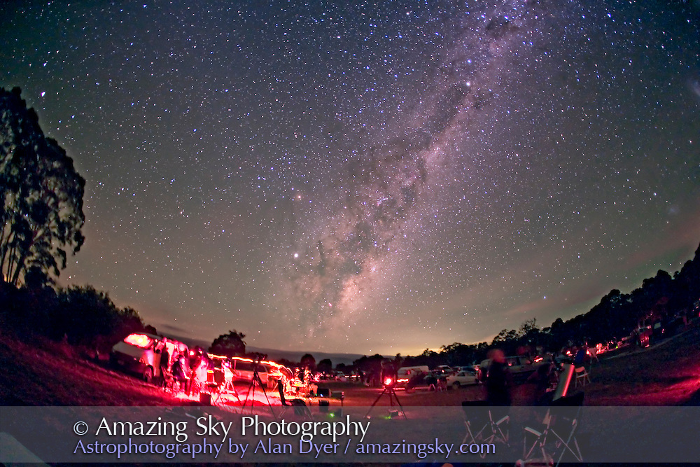 Milky Way rising over South Pacific Star Party, April 13, 2007, at Wiruna site near Ilford, NSW, Australia. Taken with 15mm lens on Canon 5D camera, single 2 minute exposure at f/2.8 and ISO800. Tracking the sky, so ground is blurred.