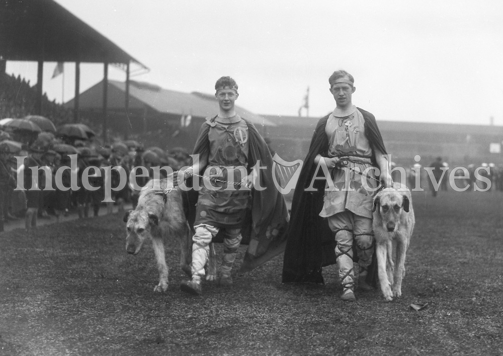 H524<br />  Athletes Games- Groups Army Officers. 1924. (Part of the Independent Newspapers Ireland/NLI Collection)