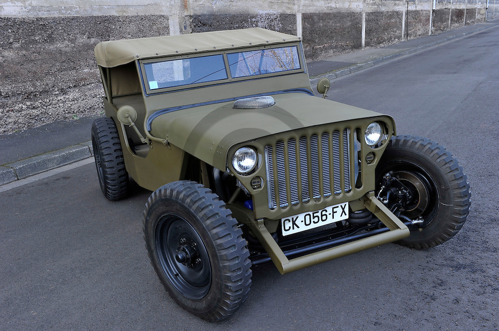 30/12/13 - CLERMONT FERRAND - PUY DE DOME - FRANCE - Hot Rod sur base de Jeep Willys, Motorisation AMC V8 de 5.0L de cylindree - Photo Jerome CHABANNE