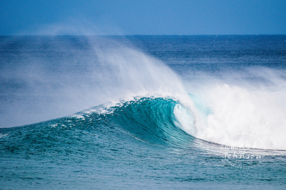 Offshore wind and breaking wave, Hawaii